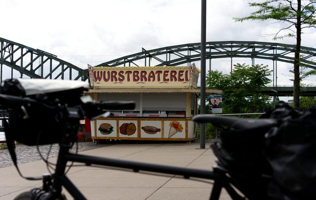 Würstchenbude bekannt aus dem Kölner Tatort