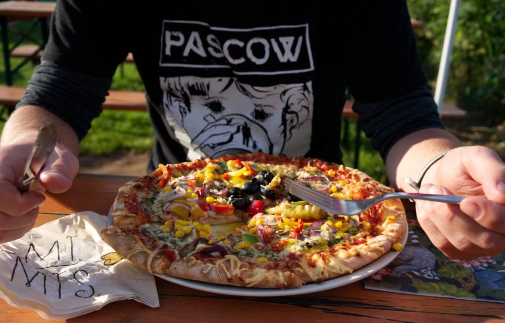 Pizza Siebengebiegsblick Rheinradweg